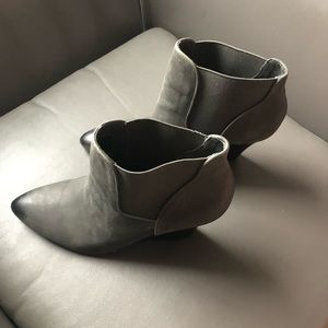 Sole Society grey wedge COMFORTABLE bootie